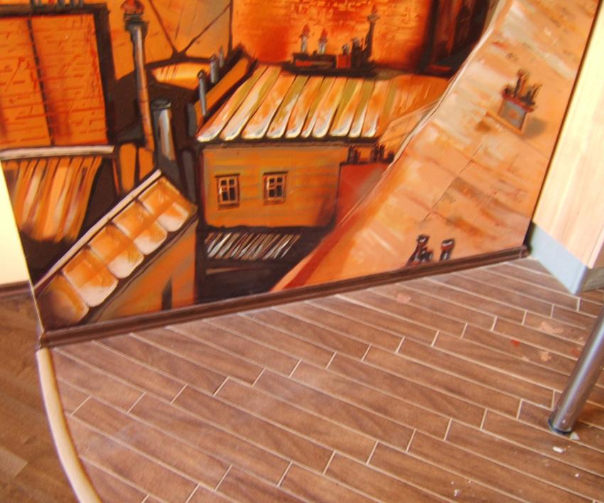 Проект «Париж» с росписью стен